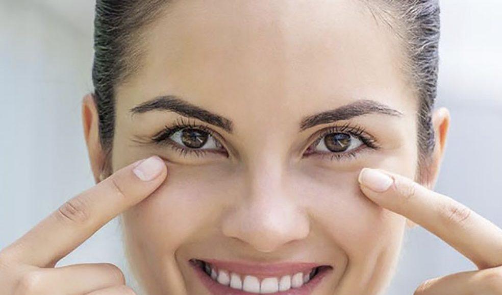 Cómo disimular las bolsas en los ojos