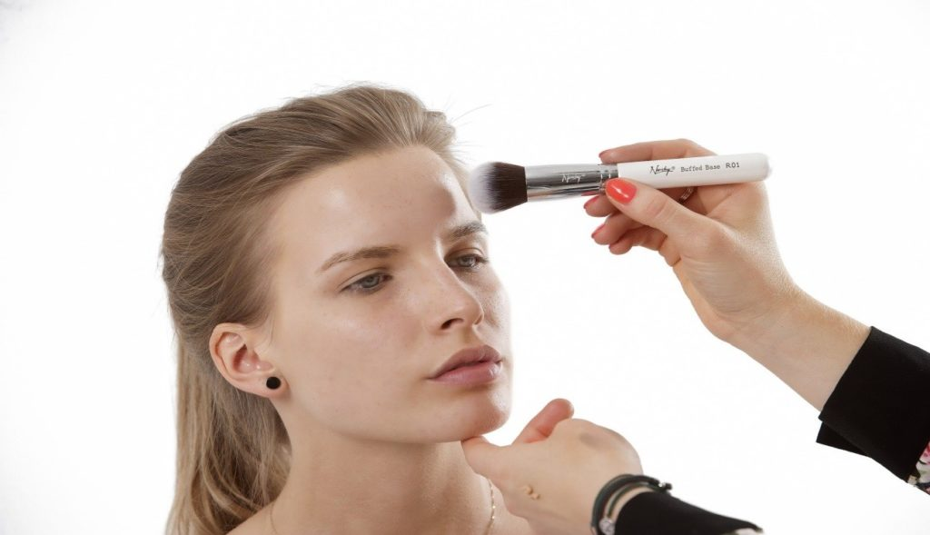 maquillaje sencillo para damas
