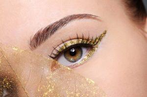Como-maquillarse-los-ojos-de-forma-sencilla