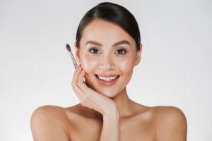 como se limpian las brochas de maquillaje