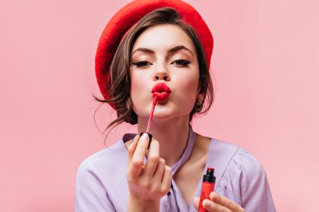 maquillar labios finos